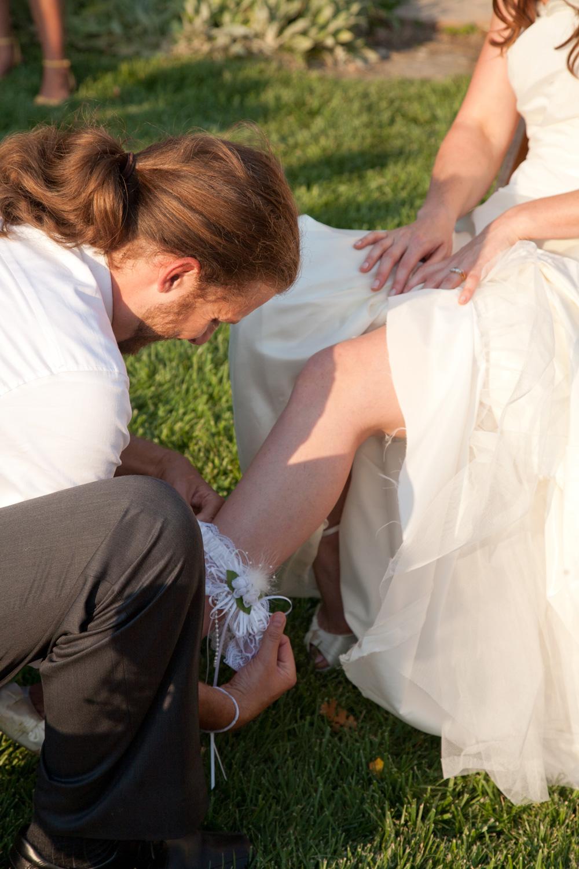 Ryan removes Allie's leg garter